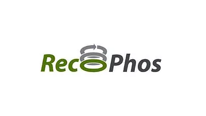 Transforming waste with heavy metal content in valuable phosphorus